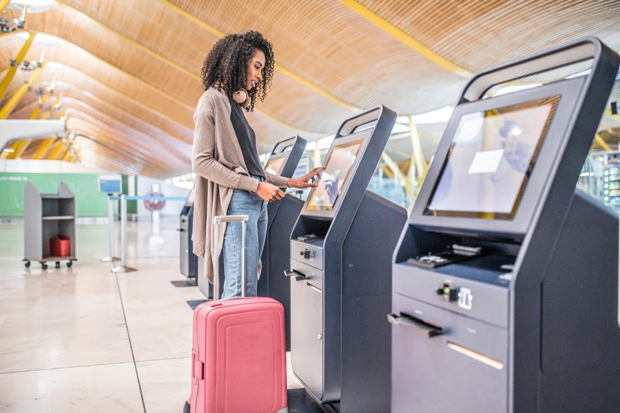 girl checking in travel